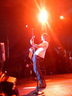 Chris Cornell twitteando desde el pepsi fest