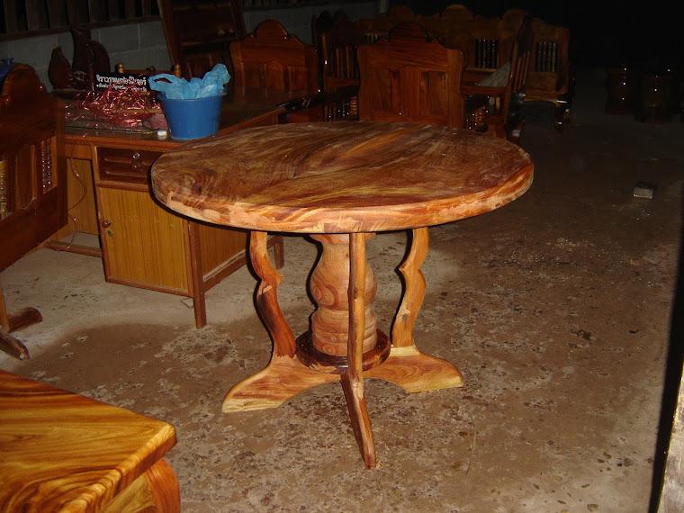 โต๊ะกลมออยู่ในขั้นตอนการผลิต