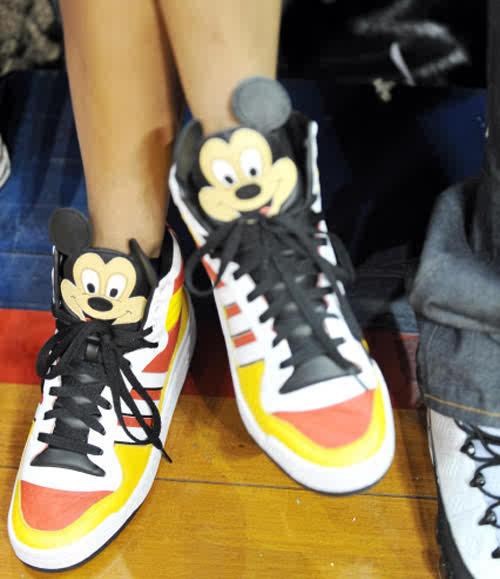 adidas jeremy scott mickey