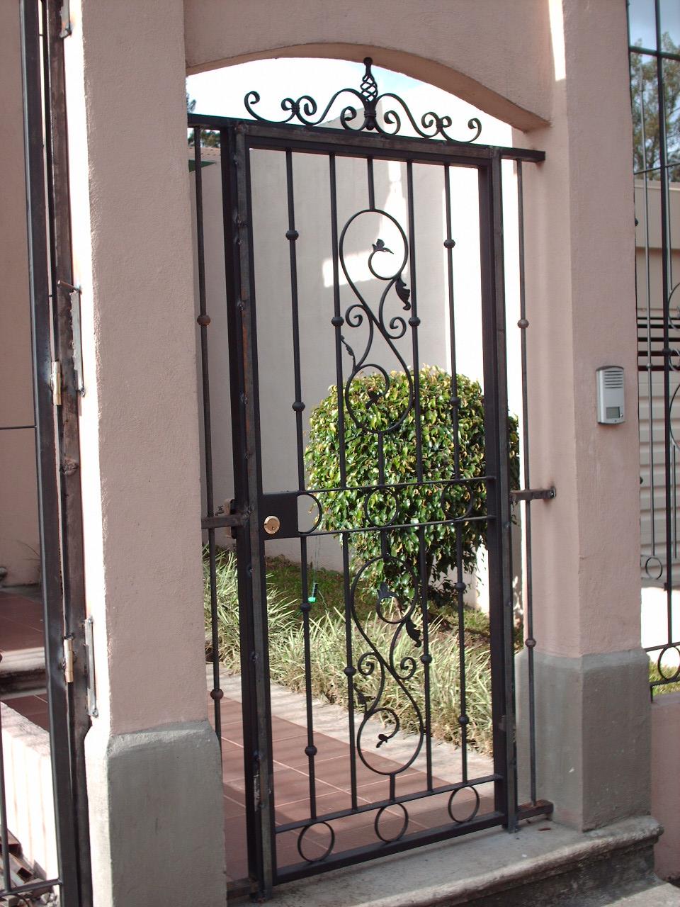 Portones rejas hierro forjado casas genuardis portal - Rejas de hierro forjado ...