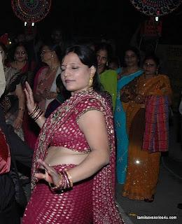 Indian Aunty Seducing