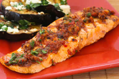 Grilled Salmon with Sun-Dried Tomato Relish
