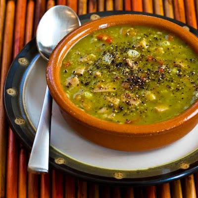 Recipe for Split Pea Soup with Ham, Bay Leaves, Epazote and Red Bell Pepper