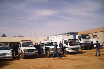 Mezzi di pattugliamento nel parcheggio del centro di detenzione di Sebha