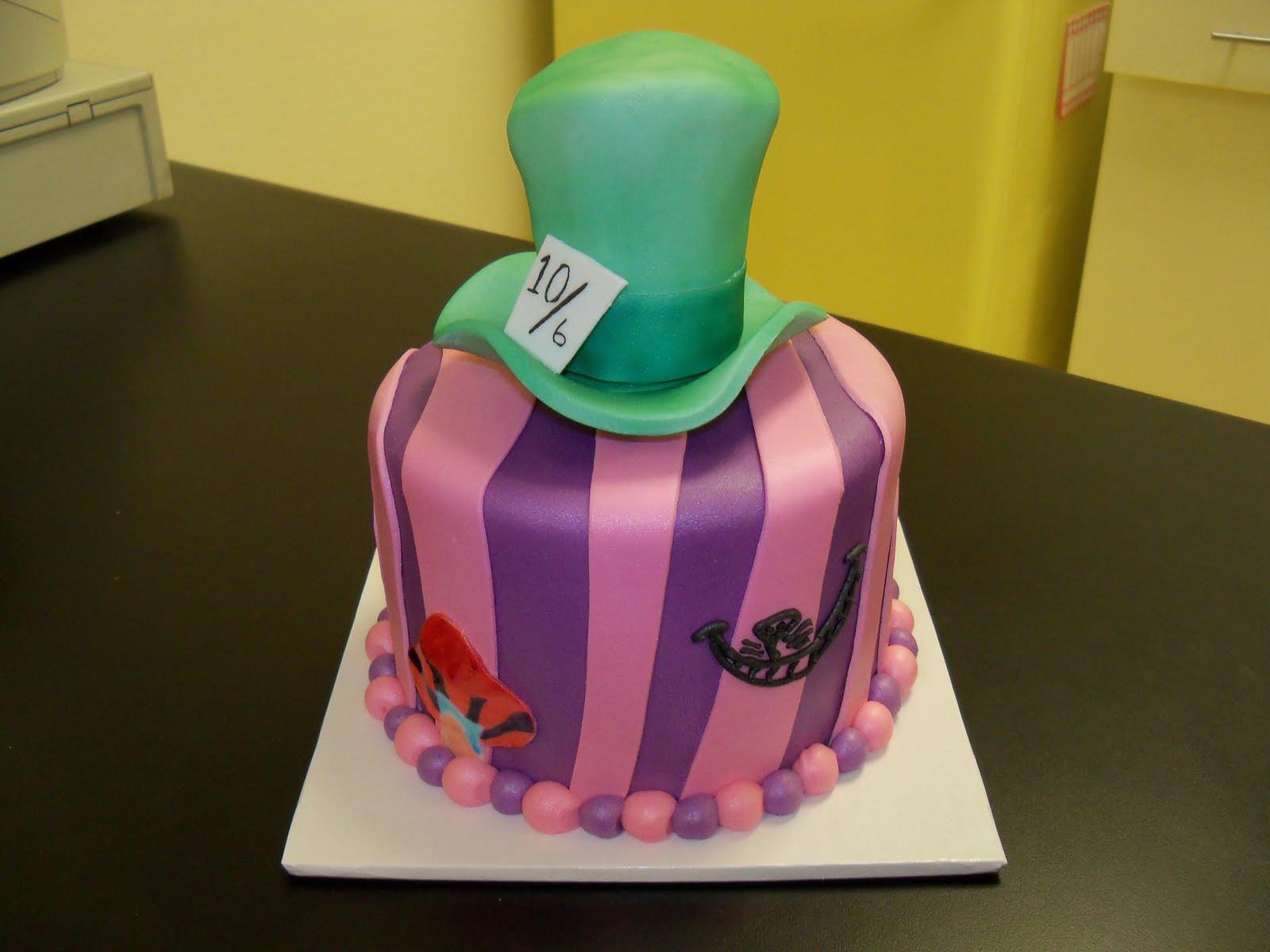 easy alice in wonderland cake