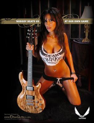 Голая фигура гитара фото