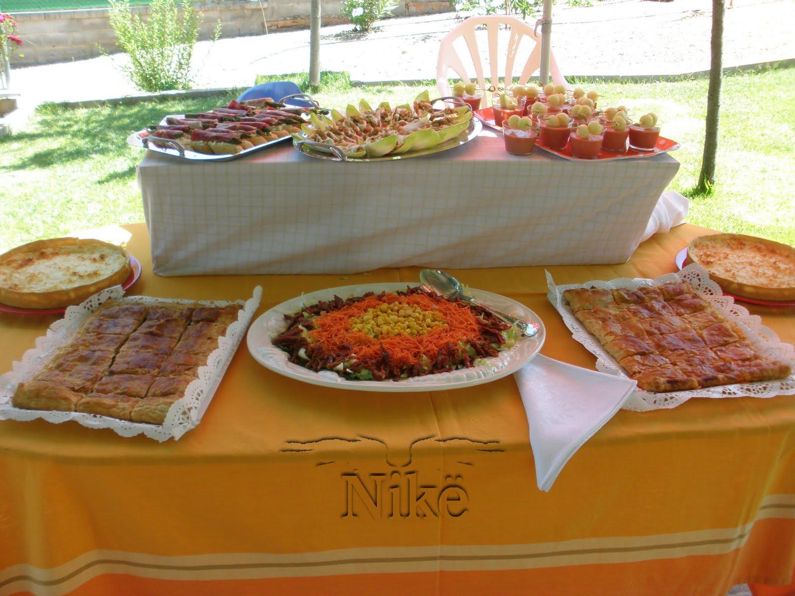 Cosillas con ngel celebrando entre amigos fiesta de 40 - Comidas para un cumpleanos ...