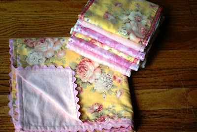 How to Sew a Baby Blanket With Tags | eHow.com