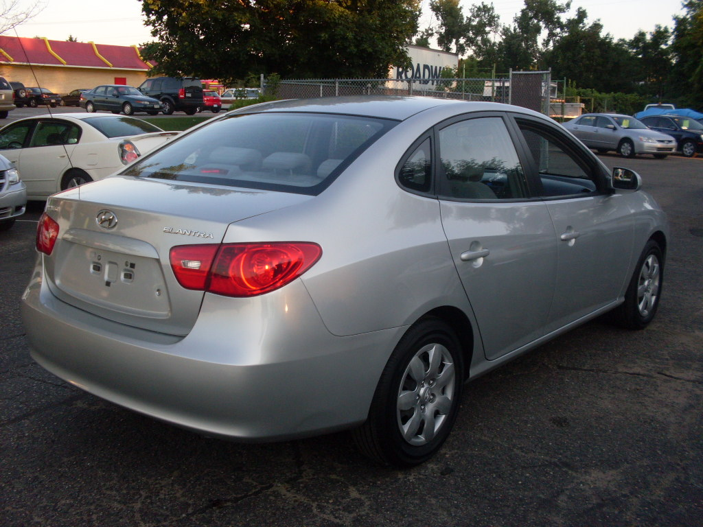 Ride Auto 2007 Hyundai Elantra Gls 4 Door Sedan 2 0