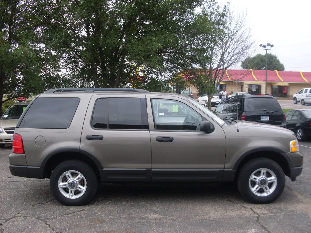 ride auto 2003 ford explorer xlt 4 door 7 passenger seating with 3rd row. Cars Review. Best American Auto & Cars Review