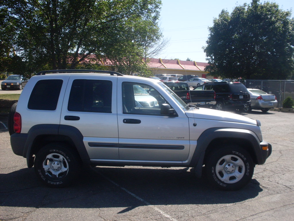 Ride Auto  2002 Jeep Liberty Sport 4x4