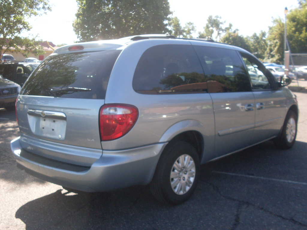 ride auto 2005 chrysler town country. Cars Review. Best American Auto & Cars Review