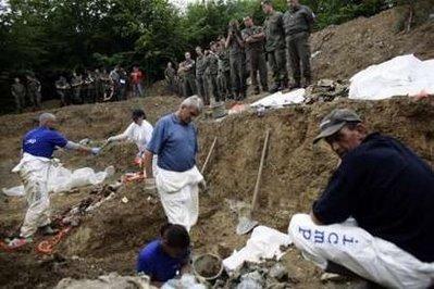Srebrenice foto priča: Zelenog Jadra, područje gdje su mnogo djece ubijali  na smrt 3-Srebrenica%2Bgenocide%2Bmass%2Bgraves%2BICMP%2BJune%2B16