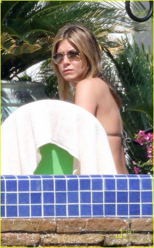 Jennifer Aniston Bikini HQ pictures in Mexico