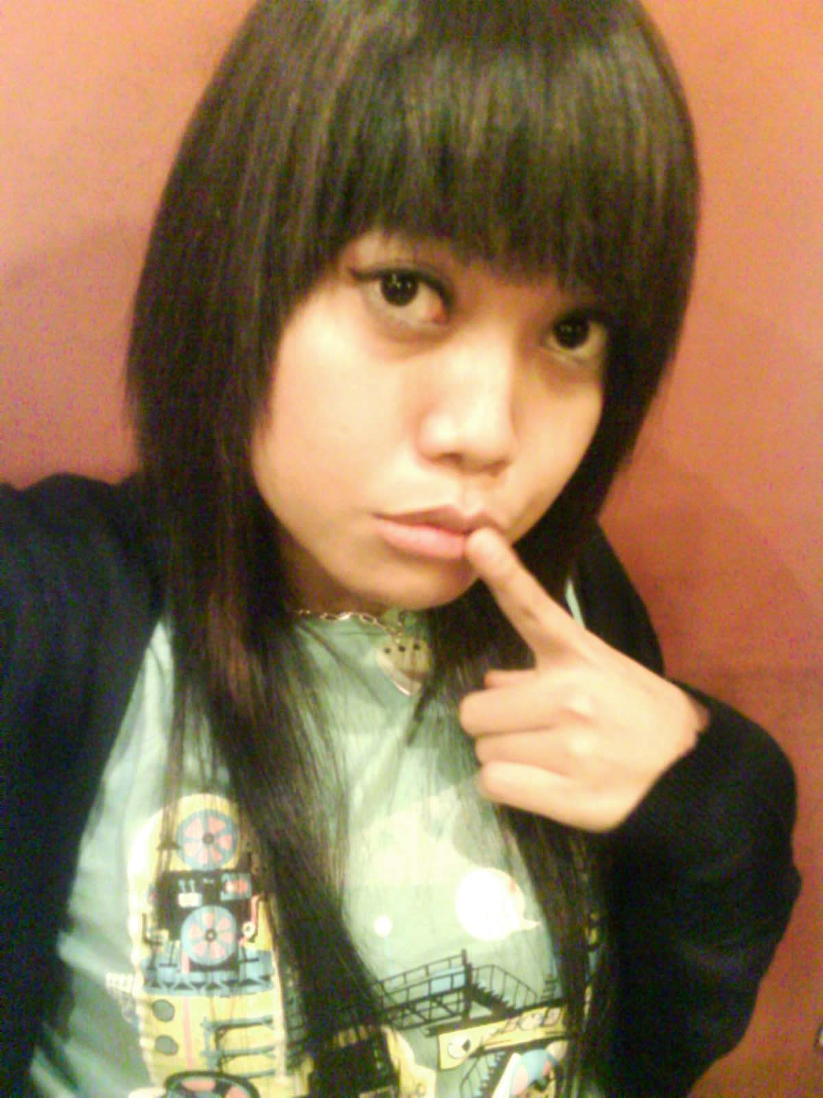 Mina-san! Konnichiwa~ Hajimemashite.. ^_^