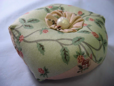 Biscornu - a fluffy pin cushion