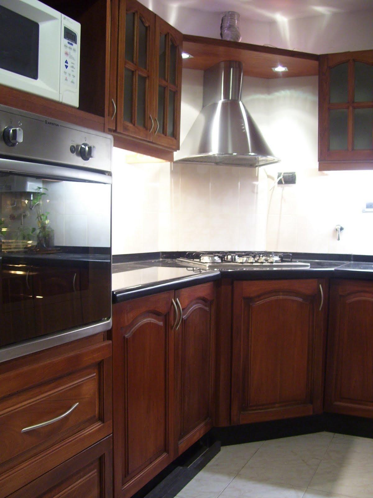 Dise o y desarrollo de muebles cocina en cedro macizo for Muebles de diseno uruguay