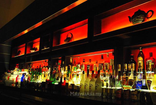Bar at Rebak Island Resort