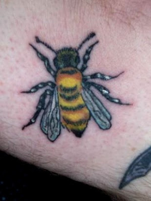 image of queen bee tattoo