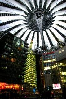 ベルリン ソニーセンターの夜景