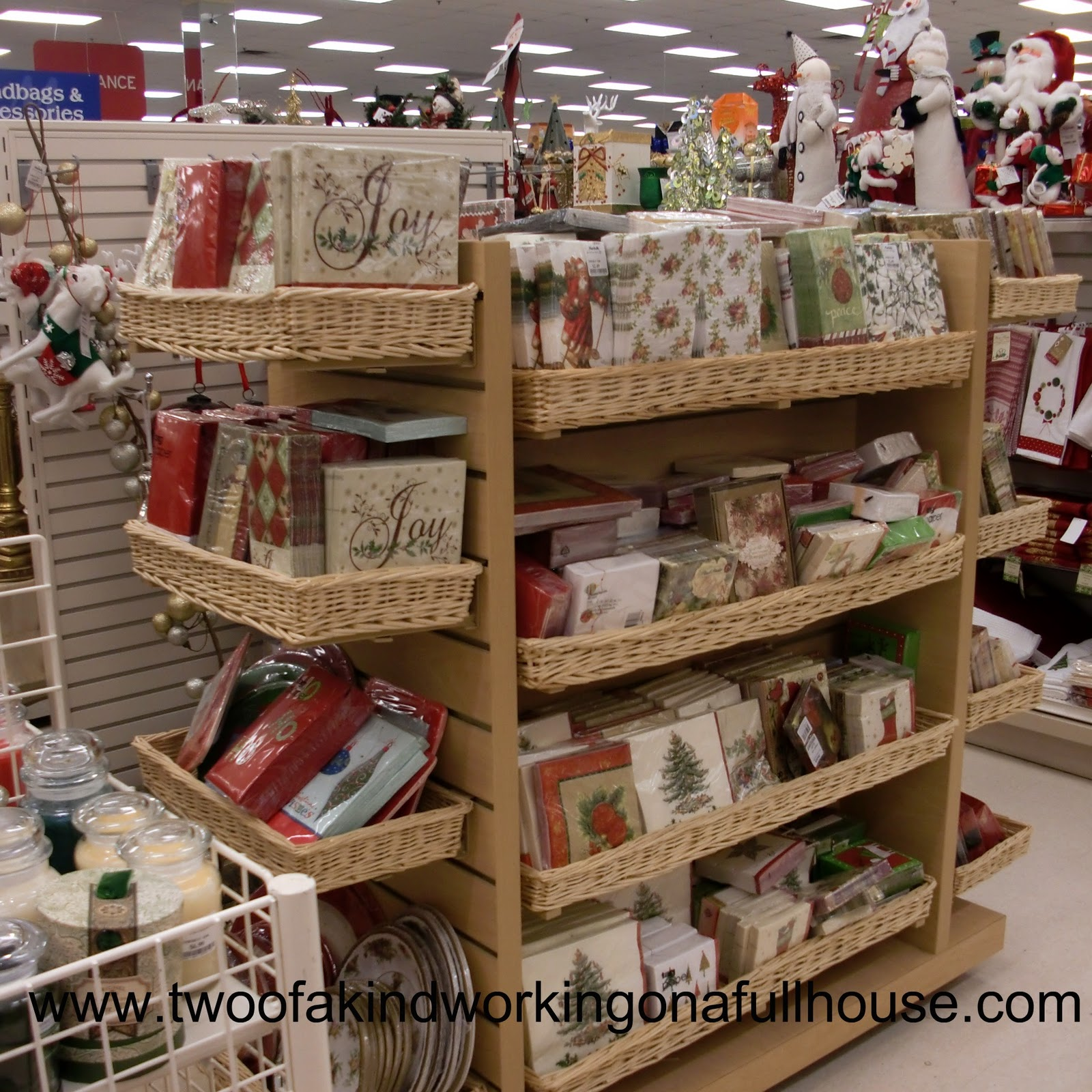 Having A Christmas Party? Need Some Holiday Themed Tableware?