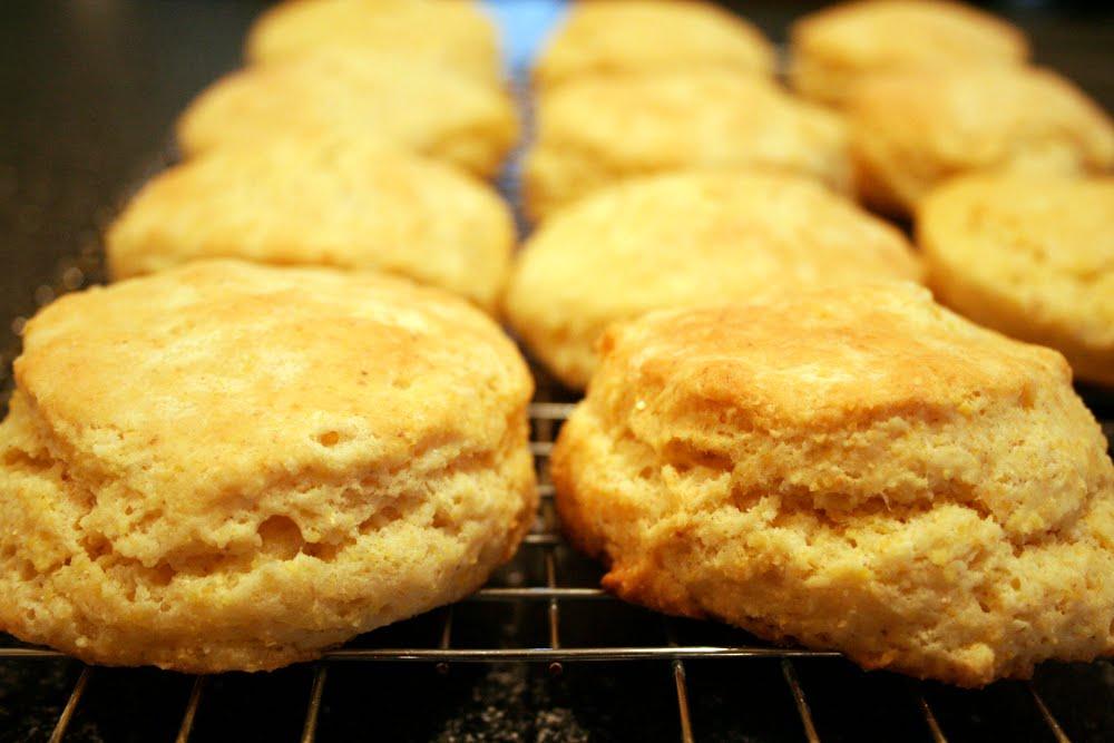Lisa Cooks: Cornmeal Biscuits