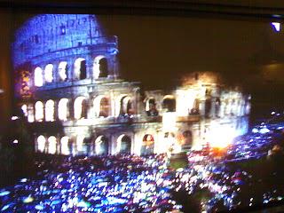 chemin de croix au colisée, rome, rome en images, italie