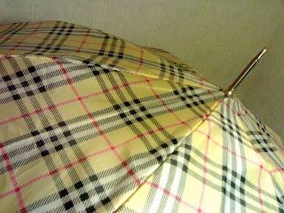 burberry, parapluie, umbrella, rihanna, rome en images, italie