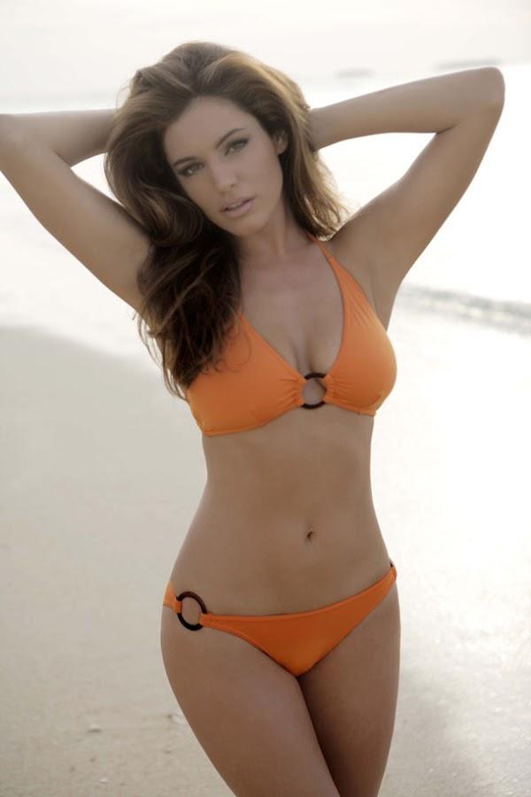 Kelly Brook 2 Hot Bikini Photos Of Kelly Brook in Black Bikini