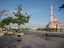Dataran Putra-Mosque