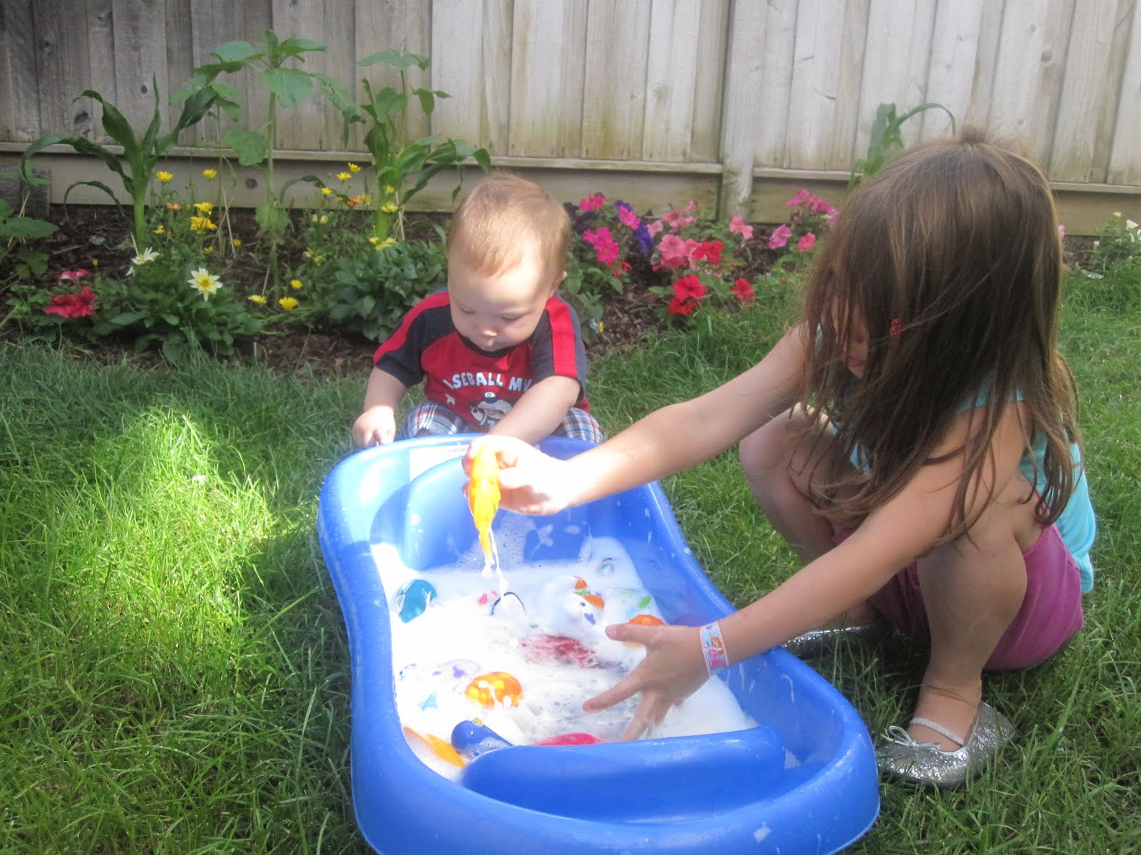 Educated mon Sense Parenting Outdoor Activity Washing Toys