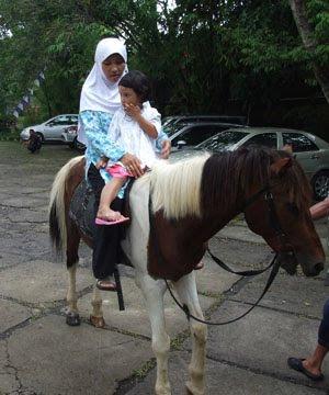 orang_naik_kuda