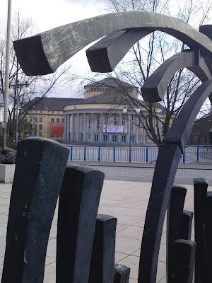 metal tentacles, stadttheater, theatre