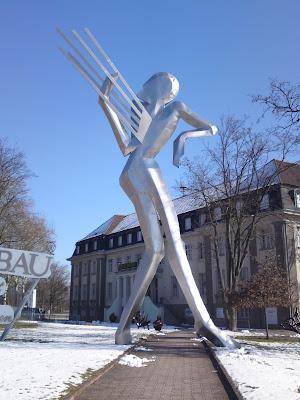 technikmuseum, statue
