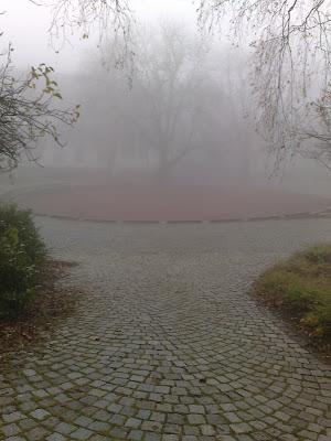 boules, fog