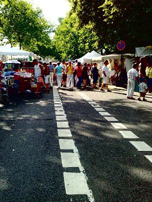 altstadt-fest, crowd, street-stalls