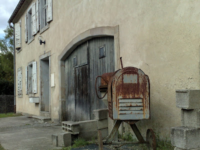 farmhouse, france, rust