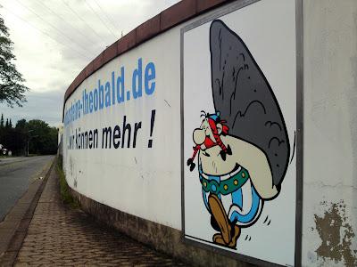 obelix, menhir,