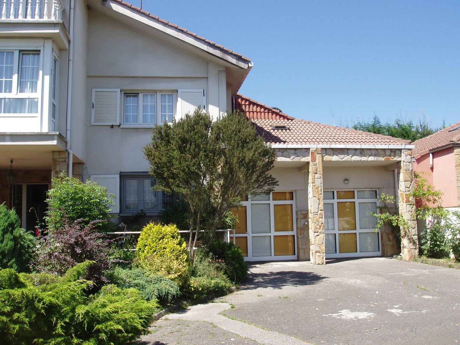 Casa en alquiler gij n asturias entrada y zona de for Alquiler de aparcamiento