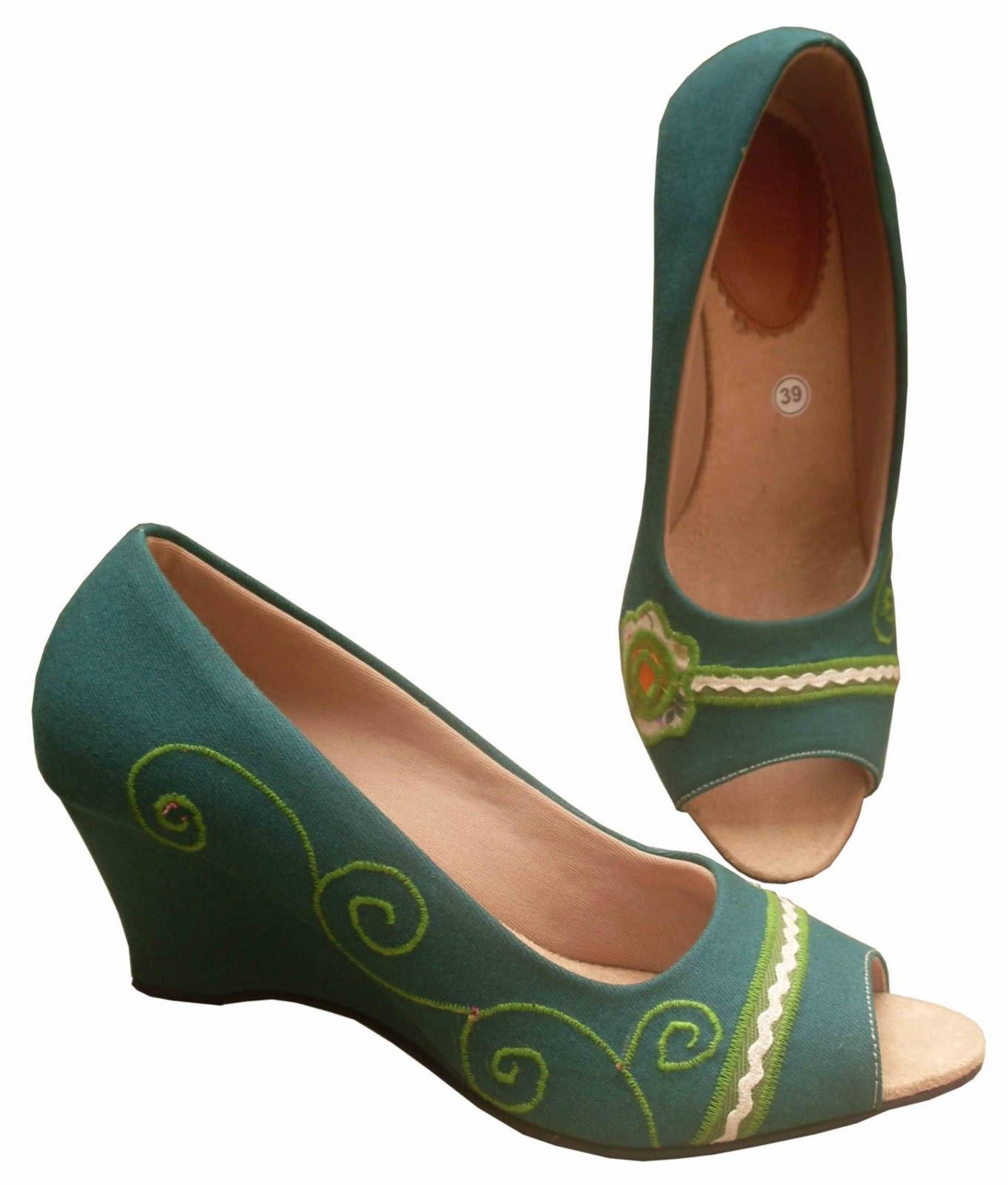 Sepatu Unik: Sepatu Wanita