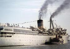 Um navio peculiar (peculiar ship)