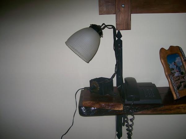 Velador con base de torniqueta