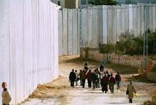 il muro della vergogna.....