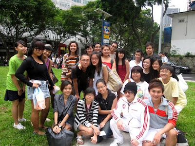 Singapore's First Bloggers Flash Mob at Orchard Road (Organised by Nuffnang)