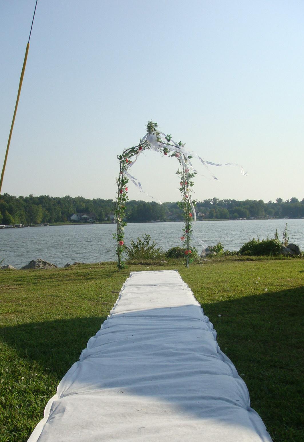 Decorating A Trellis For A Wedding St Louis Wedding Liaison Blog Outside