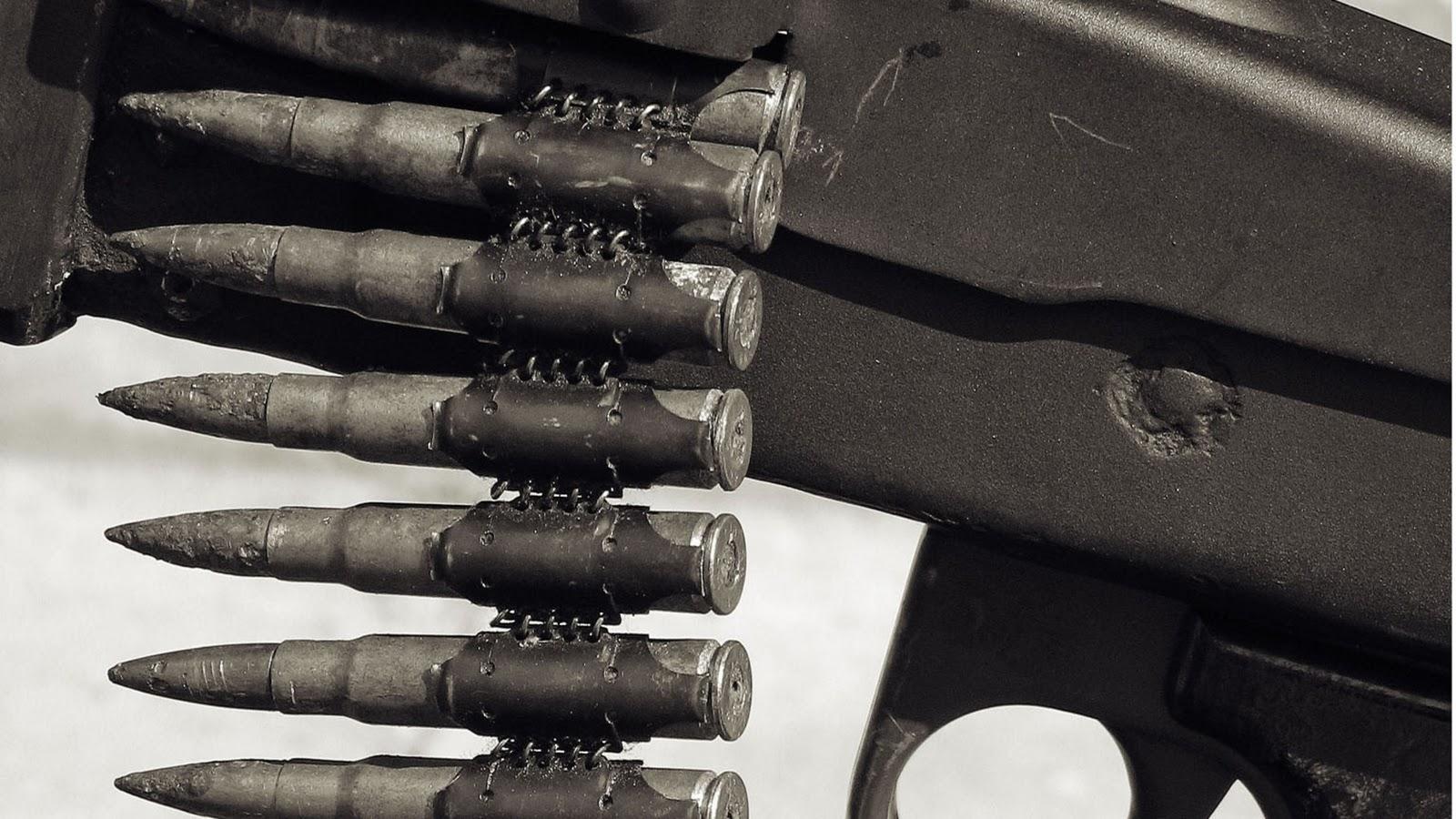 http://3.bp.blogspot.com/_sRGU_JXOz6E/TU16RIEpXwI/AAAAAAAABf0/mo4dyIrDeqQ/s1600/4060_gun_guns_weapons.jpg