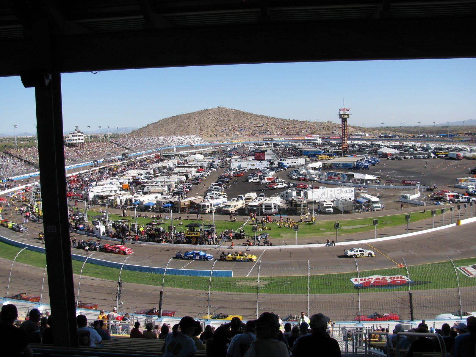 http://3.bp.blogspot.com/_sT1RIohDOvk/SwIbLX5VkCI/AAAAAAAAAP4/I2vqAaI7utY/s1600/NASCAR%2009%20028.JPG