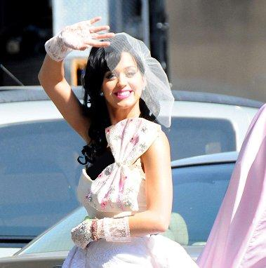 pictures of katy perry wedding. Beautiful Short Katy Perry Wedding Dress. Posted by Wedding Dress Colection