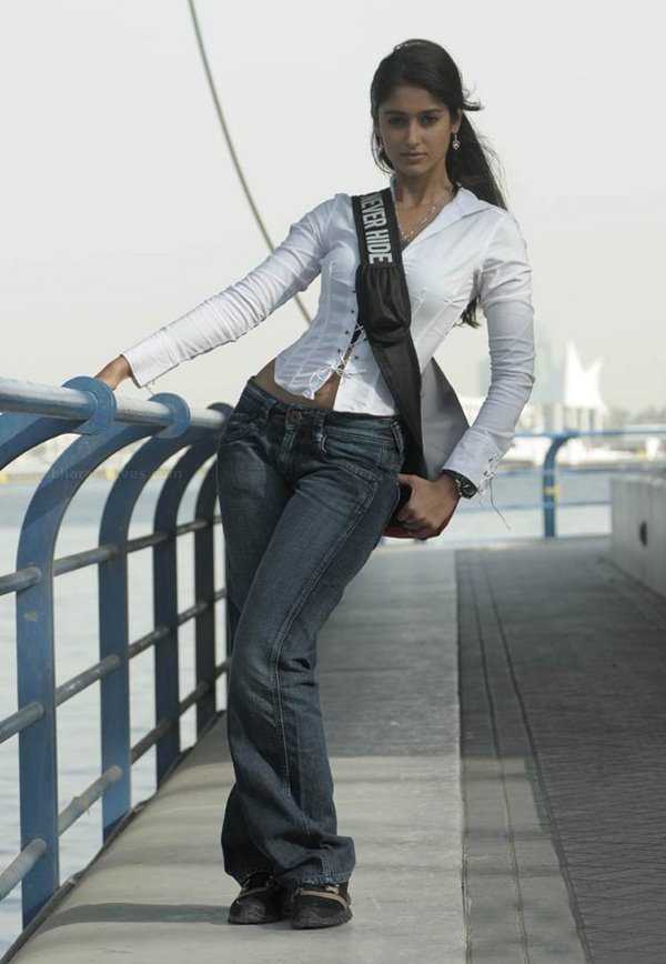 ileana latest images from rechipo with nitin