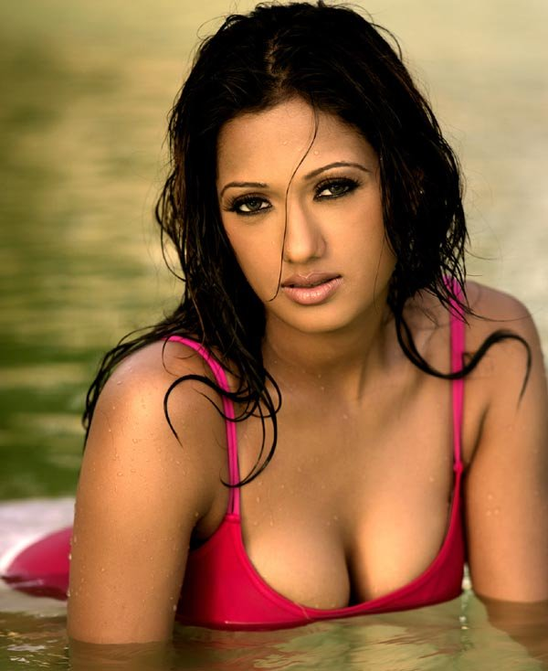 hot mallu masala pic of brinda